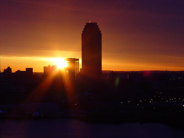 early-sunrise-in-long-island-city-alton-brothers